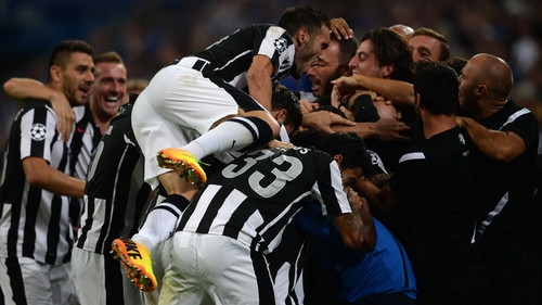 PAOK players and staff rejoice after Miroslav Stoch's leveller