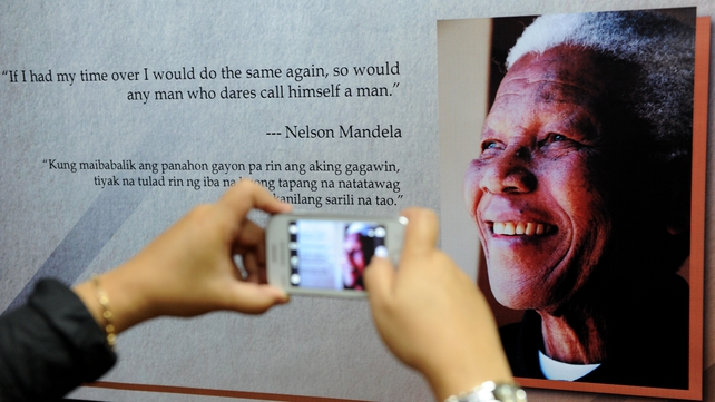 "Nelson Mandela's condition stable but critical while his ""great resilience"" hailed by SA govenrment"