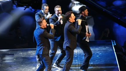 *NSYNC reunite at MTV Video Music Awards