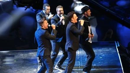 *NSYNC reunite at MTV Video Music Awards