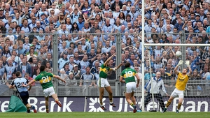 Kevin McManamon score one of Dublin's late goals