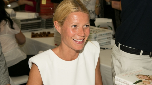 Gwyneth Paltrow received a cooking lesson from celebrity chef Jamie Oliver for her birthday