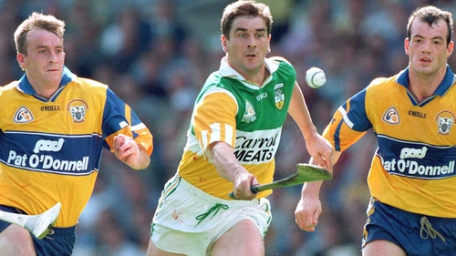 Michael Duignan (centre) in his playing days