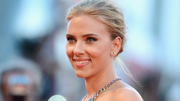 Johansson wins Sexiest Woman Alive for second time
