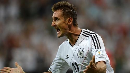 Miroslav Klose scored on 33 minutes