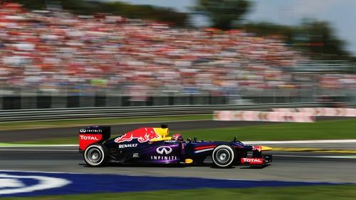 Sebastian Vettel's dominance may be harming F1 according to Lewis Hamilton