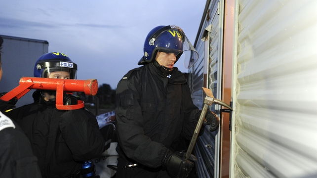 Cambridgeshire Police officers raid properties at Cottenham travellers site as part of the operation