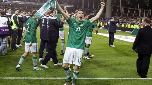 Robbie Keanes believes that Ireland fans should lower their expectations