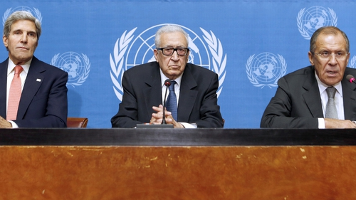 Ladkhar Brahimi (C) held talks in Geneva with John Kerry (L) and Sergei Lavrov on the Syrian situation