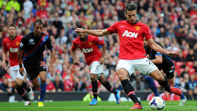 Robin van Persie puts United ahead from the spot