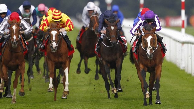 Leading Light (r) won the St Leger in Doncaster