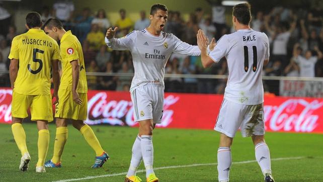 Ronaldo congratulates Gareth Bale following his debut goal