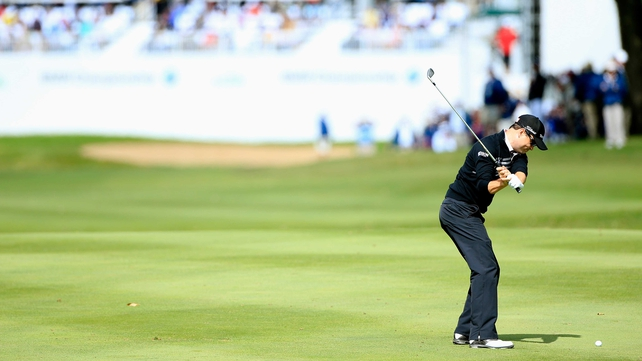 Zach Johnson playing into the 18th en route to victory at the BMW Championship
