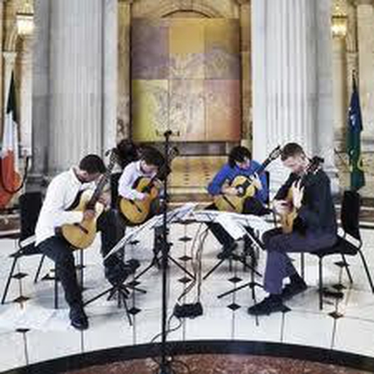 Dublin Guitar Quartet - music & chat