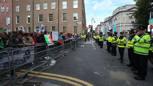 The arrests are part of an investigation into a series of violent incidents outside the Dáil on 18 September