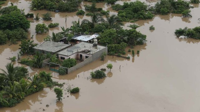Floodwaters cause severe damage in Acapulco
