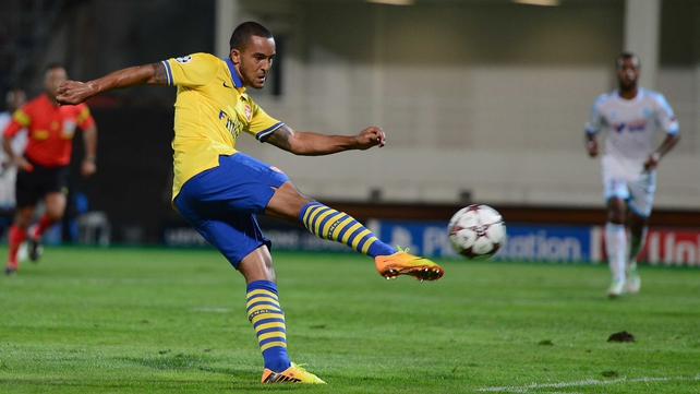 Theo Walcott believes Arsenal can win silverware this season
