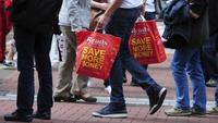 Consumer sentiment edges higher in April