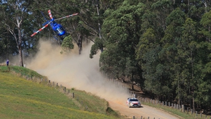 Mikko Hirvonen leaves a trail of dust in his wake at Rally Australia