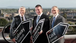 Alan Kelly (C) said the new bike schemes represented a 'breakthrough day for Ireland'