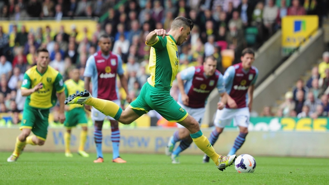 Robert Snodgrass misses a penalty as Norwich were beaten at home