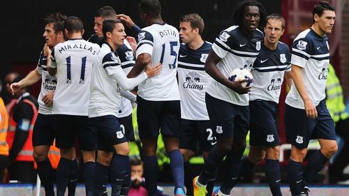Leighton Baines and Romelu Lukaku helped Everton take three points