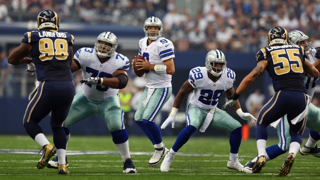 Tony Romo threw three touchdowns as Dallas beat St Louis