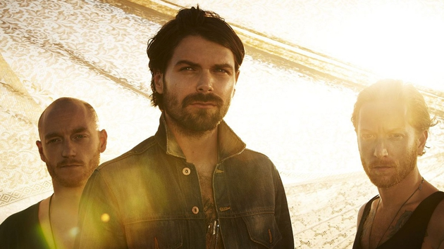 Biffy Clyro: Simon Neil front and centre