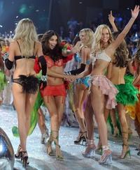 Cara, Kendall left out of Victoria's Secret show list