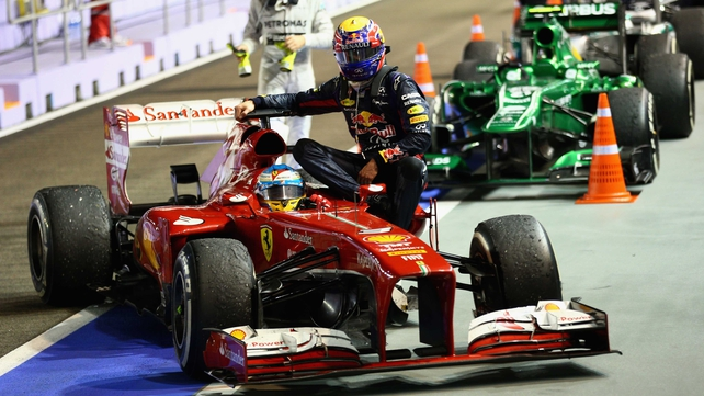 Mark Webber drops Fernando Alonso back to the pits