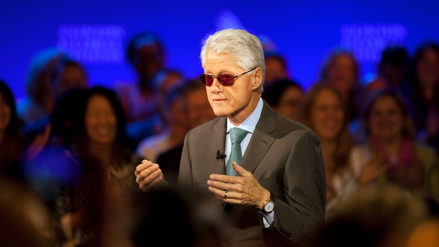 Bill Clinton donned a pair of sunglasses during his impersonation