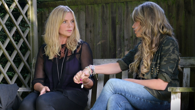 Ronnie and Roxy continue to meet in secret