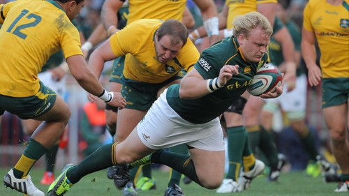 Adriaan Strauss eludes the Australia backs to cross the line in Cape Town