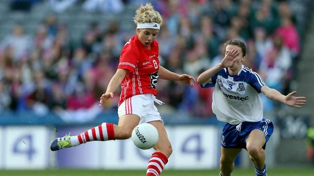 Valerie Mulcahy scoring the Cork goal