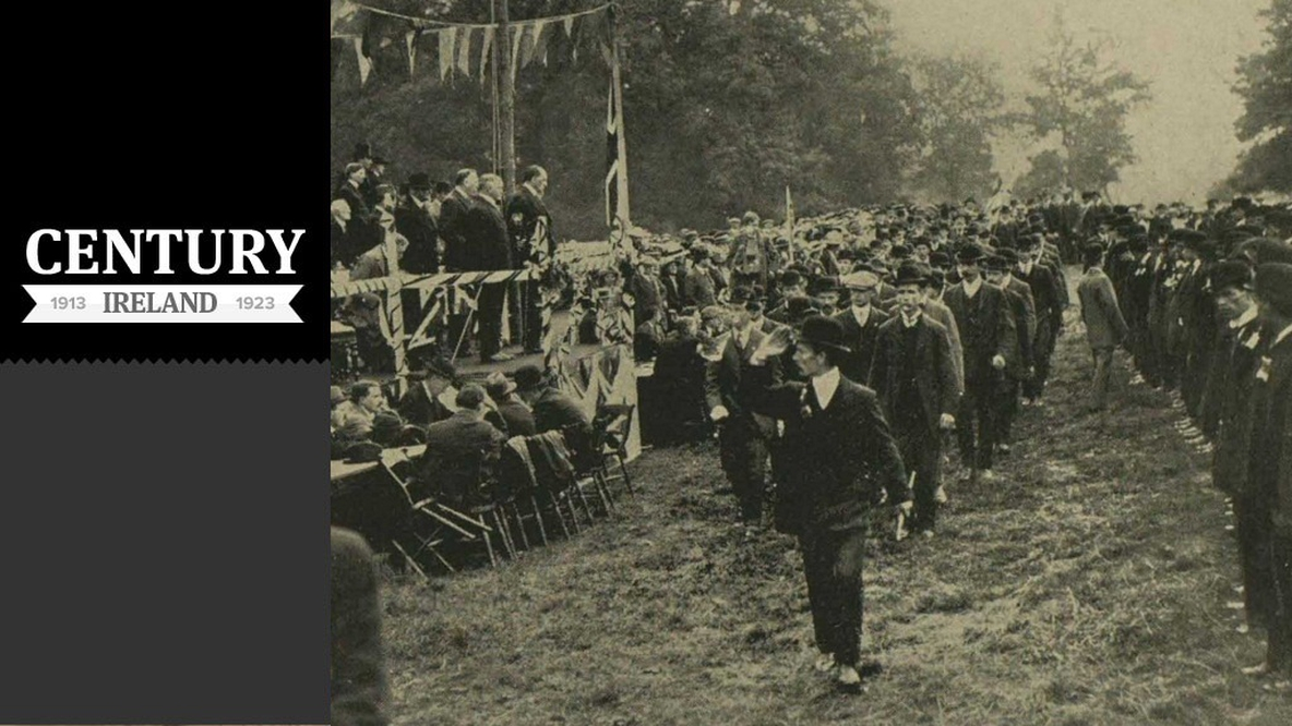 Sir Edward Carson inspecting members of the Ulster Volunteers.