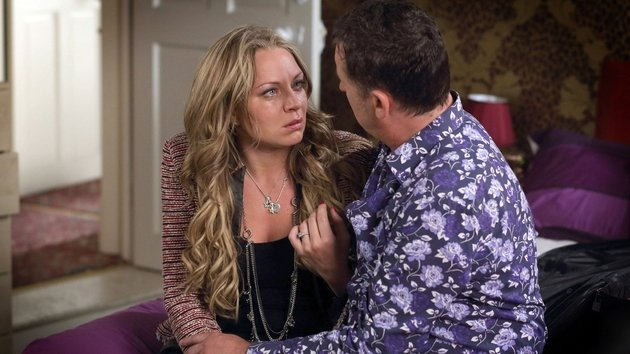 Will Roxy tell Alfie the truth about seeing Ronnie?