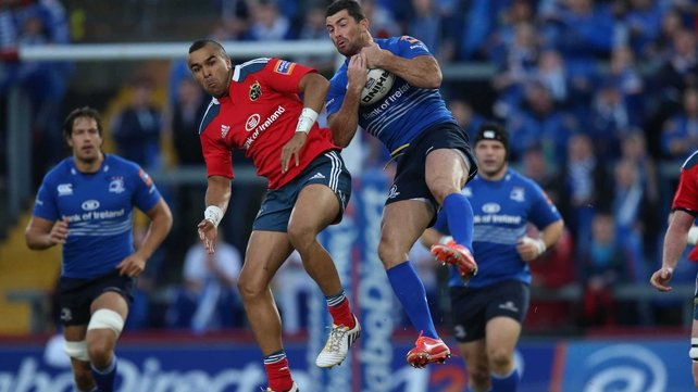 Rob Kearney claims a high ball
