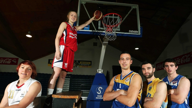 Lyndsay Peat (DCU Mercy), Edel Thornton (Brunel), Neil Campell (UL Eagles), Conor Meany (UCD Marion) and Ciaran O'Sullivan (UCC Demons) at the recent League launch
