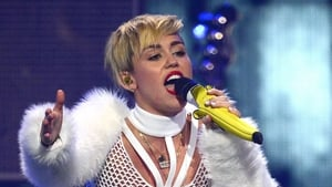 Miley Cyrus has topped the US charts with her new album Bangerz