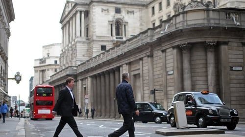 Bank of England keeps UK rates on hold