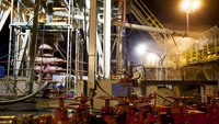Oil rivals co-operate to slash equipment costs