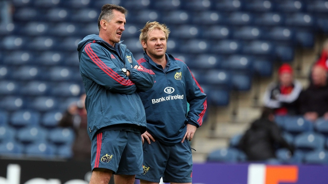 Munster head coach Rob Penney (l) unhappy with performance at Murrayfield