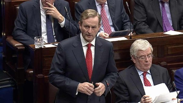 Taoiseach Enda Kenny denies he mislead the Dáil about the top-up payments