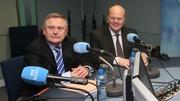 Na hAirí Brendan Howlin agus Michael Noonan