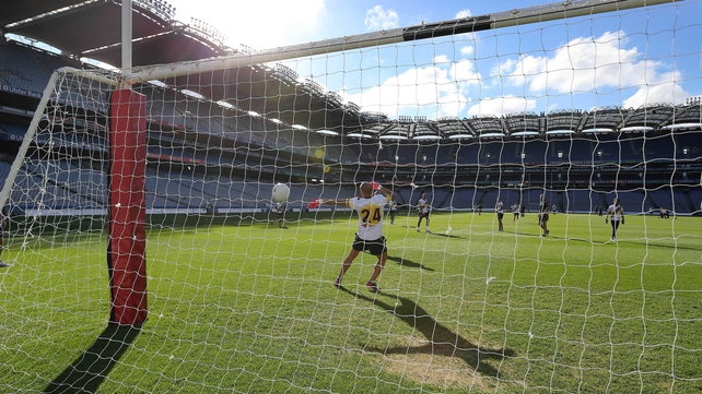 The Australian squad gets some practice in at Croke Park