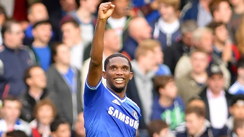 Samuel Eto'o punches the air after scoring Chelsea's second goal