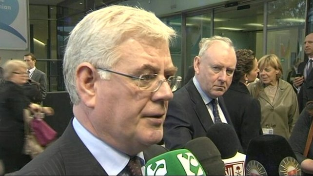 Tánaiste Eamon Gilmore would like Revenue to have another look at the arrangement for people with single online payments by credit or debit cards
