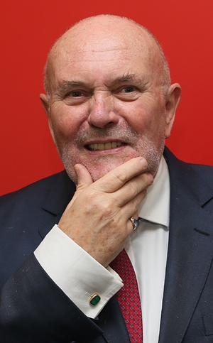 Senator David Norris shaved his beard to raise money for the Irish Cancer Society