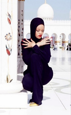 Rihanna was asked to leave a mosque in Abu Dhabi after taking photographs outside it