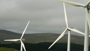 The SEAI says use of renewable energy in Ireland last year mostly provided by wind turbines saved the country €426m